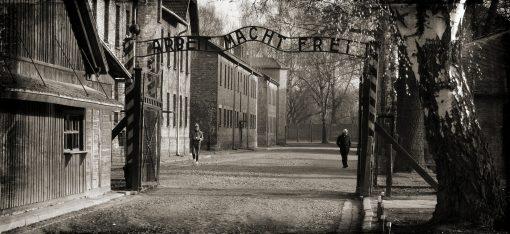 Auschwitz' door